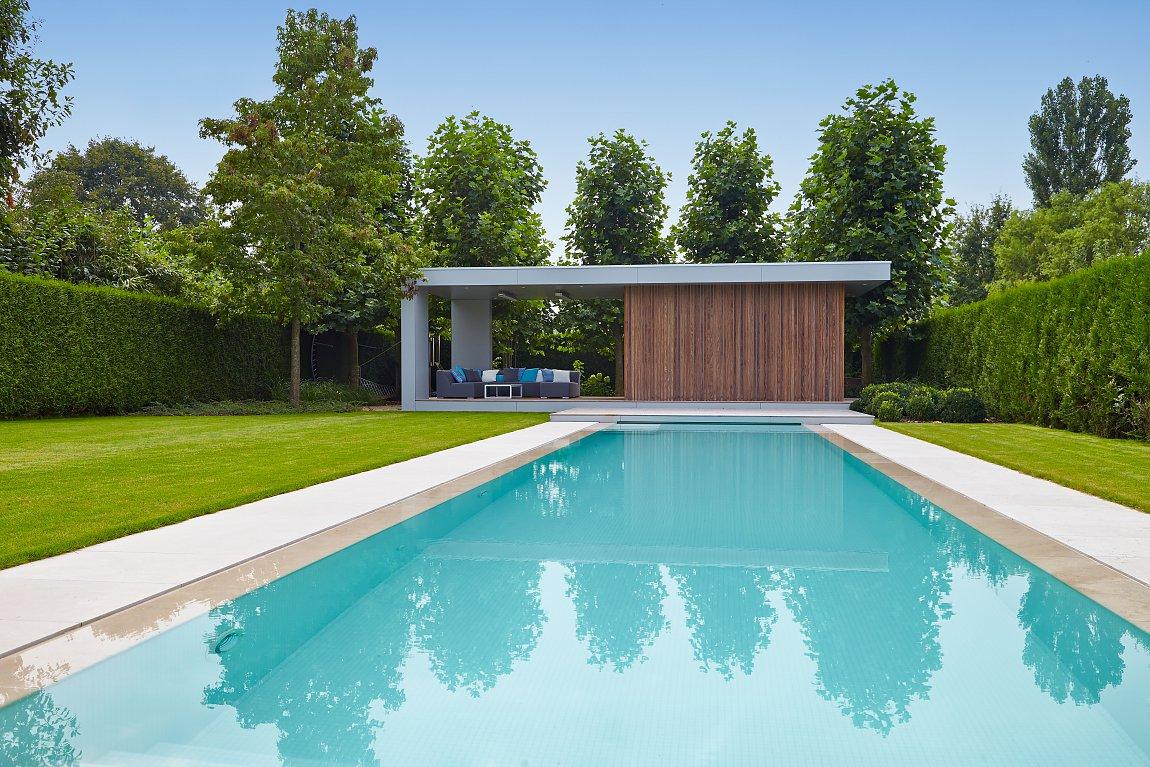 modern poolhouse in trespa en hout bogarden. Black Bedroom Furniture Sets. Home Design Ideas