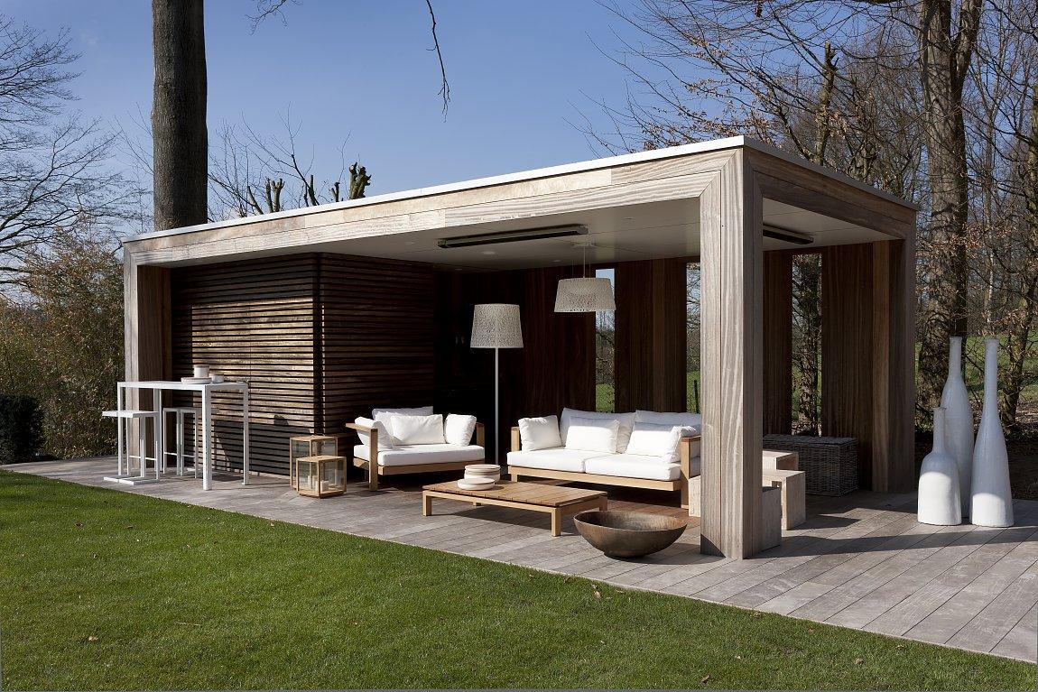 Moderne lounge bogarden for Moderne tuin met overkapping